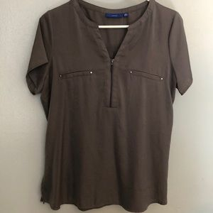 Apt. 9 V-neck zip short sleeve blouse Size S